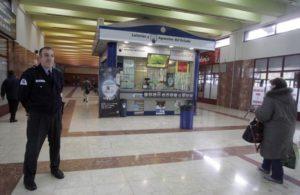 vigilante estacion bus /